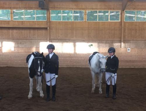 Bra säsongspremiär för ponnycupen dressyr